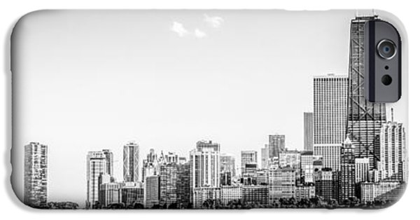 North Chicago Skyline Panorama In Black And White IPhone 6s Case