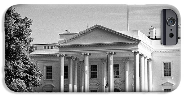 Whitehouse iPhone 6s Case - north facade of the White House with flag flying Washington DC USA by Joe Fox