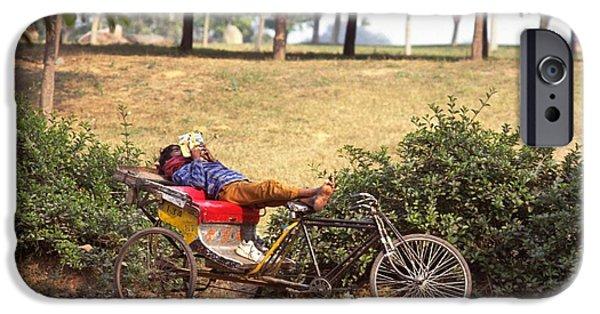 Rickshaw Rider Relaxing IPhone 6s Case