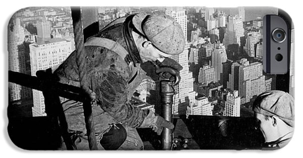 Riveters On The Empire State Building IPhone 6s Case by LW Hine