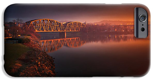 Beaver iPhone 6s Case - Rochester Train Bridge  by Emmanuel Panagiotakis