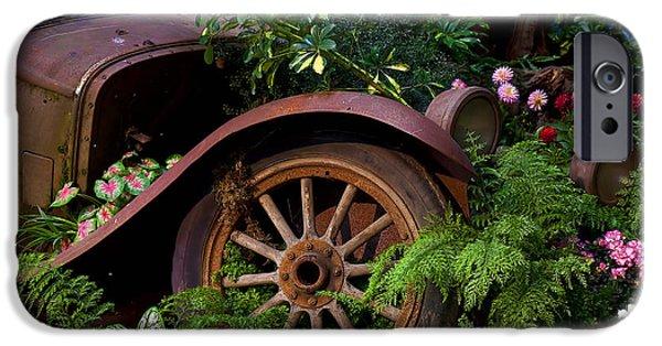 Rusty Truck In The Garden IPhone 6s Case