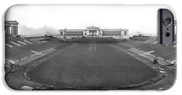 Soldier Field In Chicago IPhone 6s Case by Underwood Archives