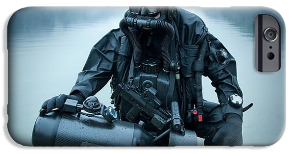 Scuba Diver iPhone 6s Case - Special Operations Forces Combat Diver by Tom Weber