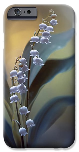 Lily iPhone 6s Case - White Pearls by Magda  Bognar