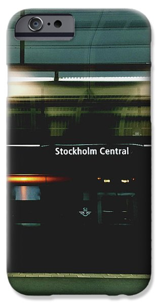Train iPhone 6s Case - Stockholm Central- Photograph By Linda Woods by Linda Woods