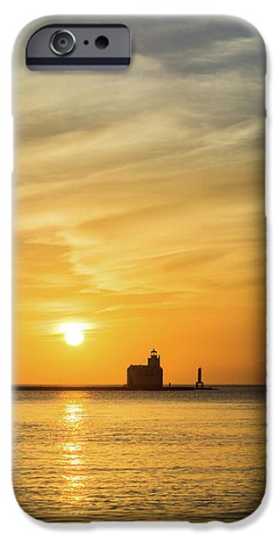 IPhone 6s Case featuring the photograph Tall Drink Of Comfort by Bill Pevlor