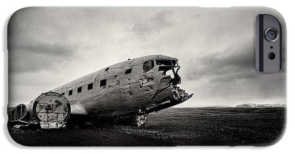 Airplane iPhone 6s Case - The Solheimsandur Plane Wreck by Tor-Ivar Naess
