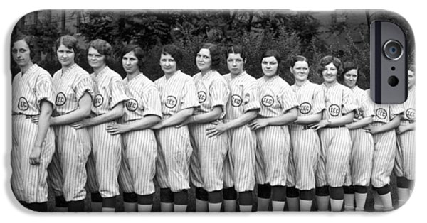 Vintage Photo Of Women's Baseball Team IPhone 6s Case by American School