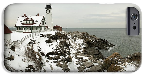 New England Coast iPhone 6s Case - A Large Wreath Is Hung On Portland Head by Allan Wood Photography