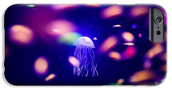 Aquarium iPhone 6s Case - Beautiful Jellyfish, Medusa In The Neon by The Len