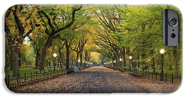 New Leaf iPhone 6s Case - Central Park. Image Of  The Mall Area by Rudy Balasko