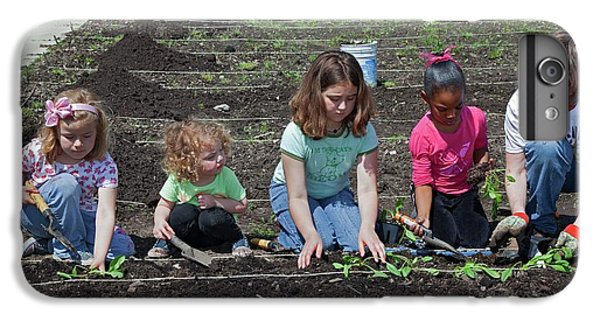 Children At Work In A Community Garden IPhone 6s Plus Case by Jim West