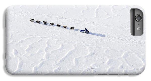 John Bakers Team Running Down Frozen Yukon River  IPhone 6s Plus Case by Jeff Schultz