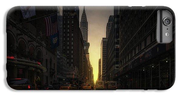 Chrysler Building iPhone 6s Plus Case - Manhattanhenge by David Mart?n Cast?n