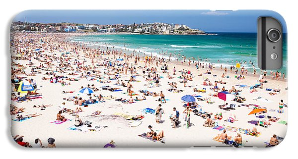 New Year's Day At Bondi Beach Sydney Australi IPhone 6s Plus Case by Matteo Colombo