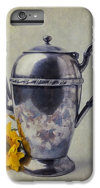 Old Teapot With Sunflower IPhone 6s Plus Case by Garry Gay