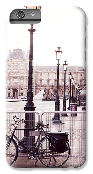 Paris Bicycle Louvre Museum - Paris Bicycle Street Lantern - Paris Bicycle Louvre Museum Street Lamp IPhone 6s Plus Case