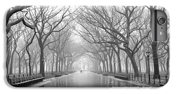 IPhone 6s Plus Case featuring the photograph New York City - Poets Walk Central Park by Dave Beckerman