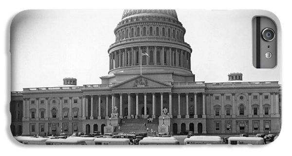 Capitol Building iPhone 6s Plus Case - Roosevelt Caravan Trailers by Underwood Archives