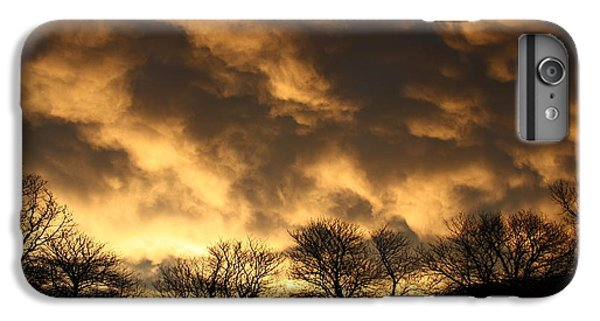 IPhone 6s Plus Case featuring the photograph Sunset Silhouettes by Nareeta Martin