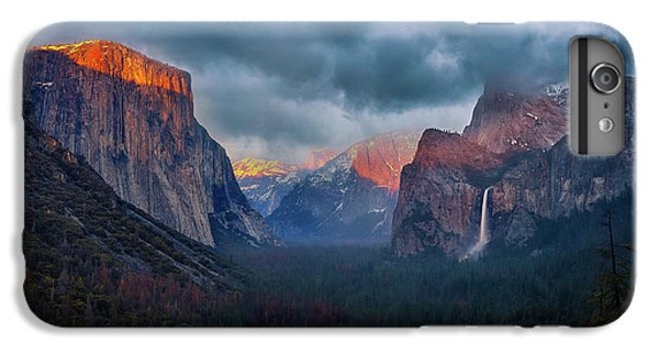 Yosemite National Park iPhone 6s Plus Case - The Yin And Yang Of Yosemite by Michael Zheng