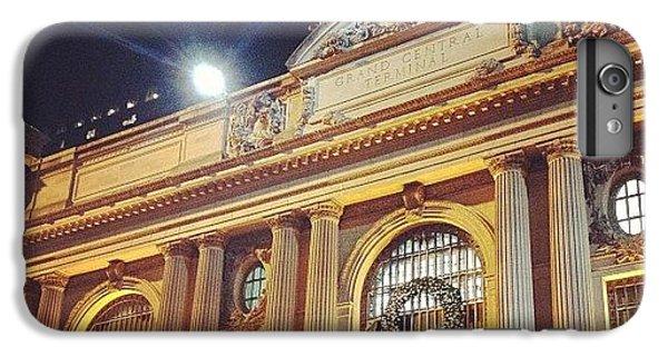 Place iPhone 6s Plus Case - Grand Central Christmas Wreath by Randy Lemoine