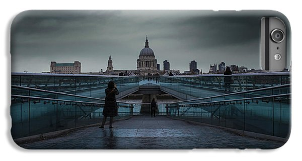 Wren iPhone 6s Plus Case - St Paul's Cathedral by Martin Newman