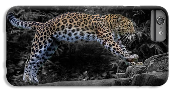Amur Leopard On The Hunt IPhone 6s Plus Case by Martin Newman
