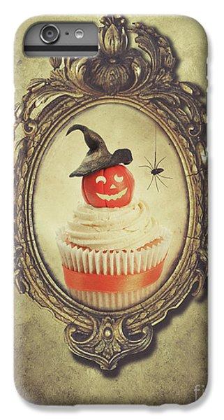 Fairy Cake iPhone 6s Plus Case - Gilt Frame With Halloween Cupcake by Amanda Elwell