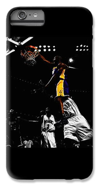 Kobe Bryant On Top Of Dwight Howard IPhone 6s Plus Case by Brian Reaves