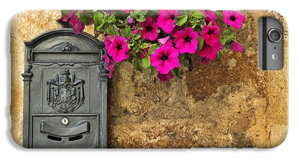 Mailbox With Petunias IPhone 6s Plus Case