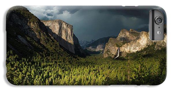 Yosemite National Park iPhone 6s Plus Case - Majestic Yosemite National Park by Larry Marshall