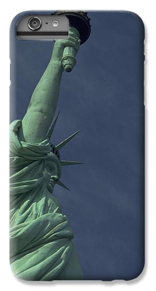 IPhone 6s Plus Case featuring the photograph New York by Travel Pics