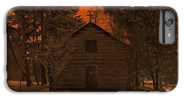 Notre Dame Log Chapel Winter Night IPhone 6s Plus Case