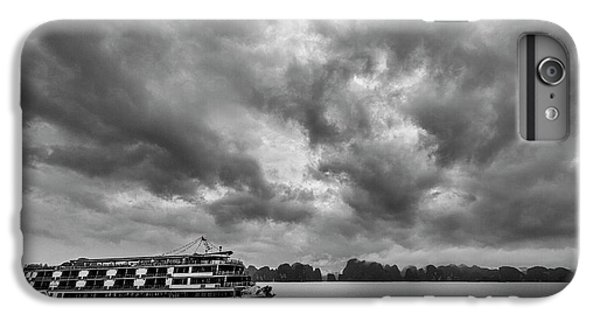 IPhone 6s Plus Case featuring the photograph Rainy Day Cruise by Hitendra SINKAR