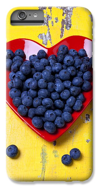 Blueberry iPhone 6s Plus Case - Red Heart Plate With Blueberries by Garry Gay