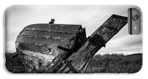 iPhone 6s Plus Case - St Cyrus Wreck by Dave Bowman