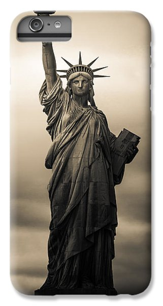 Statute Of Liberty IPhone 6s Plus Case by Tony Castillo