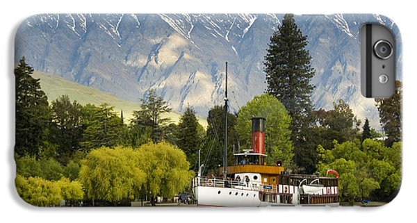 IPhone 6s Plus Case featuring the photograph The Earnslaw by Werner Padarin