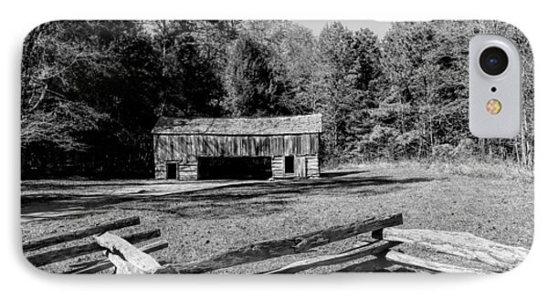 Historical Cantilever Barn At Cades Cove Tennessee In Black And White Phone Case by Kathy Clark