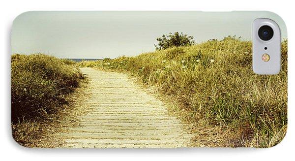 Beach Trail Phone Case by Les Cunliffe