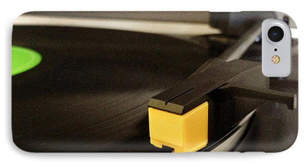 Record Player Phone Case by Les Cunliffe