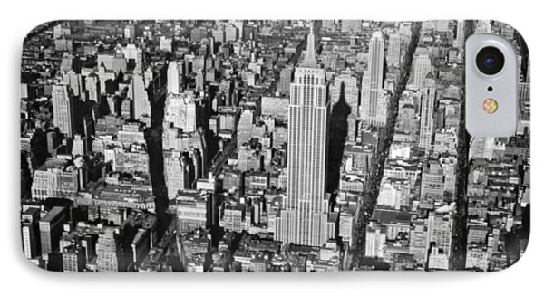 1934 Aerial View Of Manhattan Phone Case by Underwood Archives
