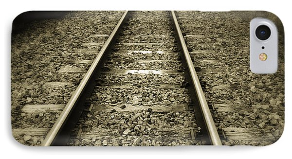 Railway Tracks Phone Case by Les Cunliffe