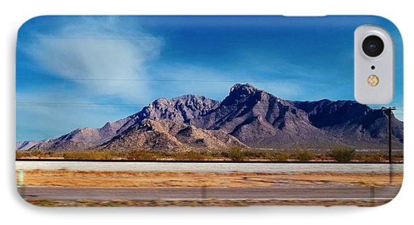 Arizona - On The Fly Phone Case by Glenn McCarthy Art and Photography
