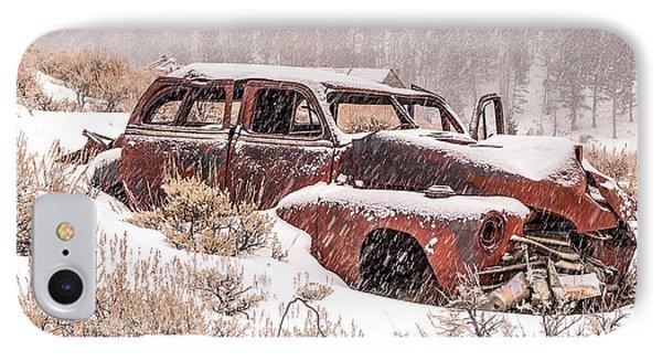Auto In Snowstorm Phone Case by Sue Smith