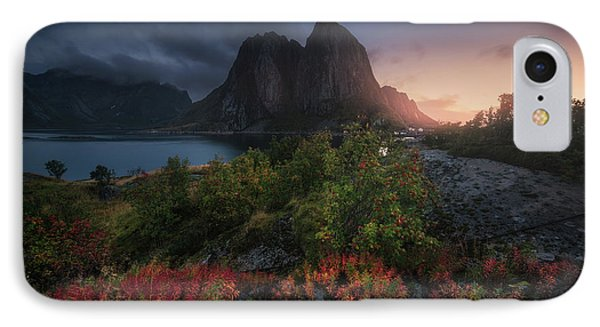 Dawn iPhone 7 Case - Autumn Is Coming by Carlos F. Turienzo