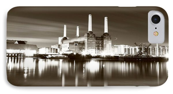 IPhone Case featuring the photograph Battersea Power Station by Mariusz Czajkowski