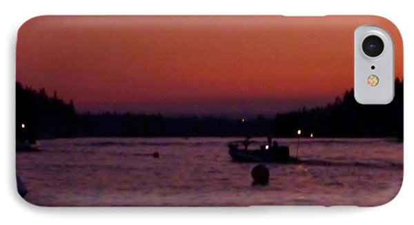 Boaters Red Sky At Night Oregon Phone Case by Susan Garren
